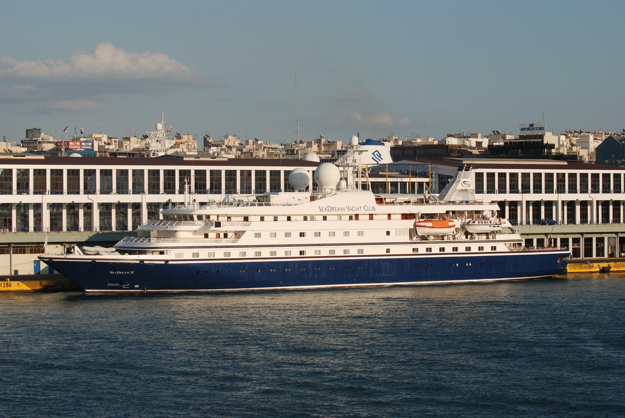 Seadream II in Piraeus