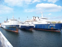 Laid up Saos' ferries