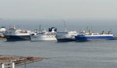 SHIPS IN DRAPETSONA