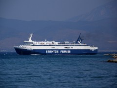 eptanisos leaving patras οld port from south 100911 a