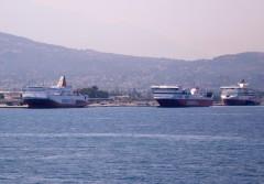 ionian queen sfII & Sf VI@ patra New port 150711 a