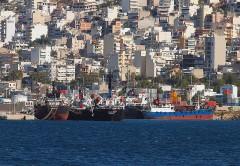 Εφοδιαστικά δεξαμενόπλοια στο Πέραμα