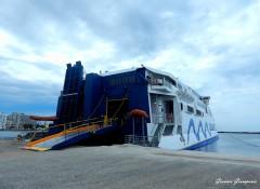 Champion Jet 2 at Tinos Port