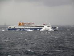 Diagoras @rough sea off kythnos 131207 d