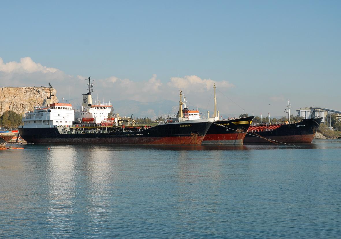 Tanker ships in Elefsina