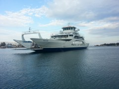 Aiolos arriving ιn Eretria 20150606 190217