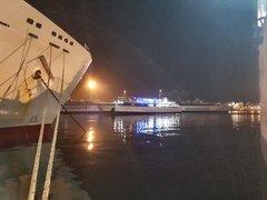 Ionis night arrival @Piraeus
