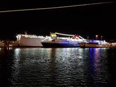 Pireas port