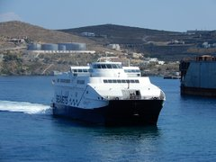 Andros Jet manoeuvring at Syros Island