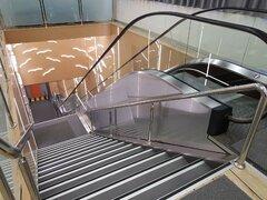 Alexandra L - κυλιωμενες σκαλες