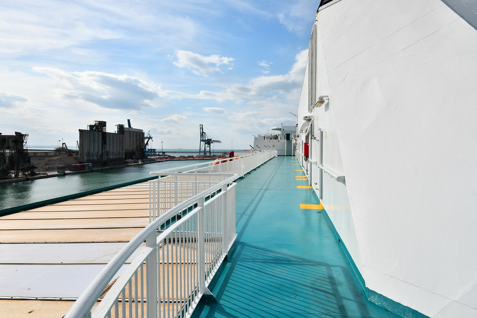 Olympic Champion_sun deck_5