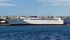 Hellenic Highspeed at Peiraias Port