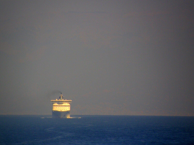 hellenic spirit departing patra new port 160820 b