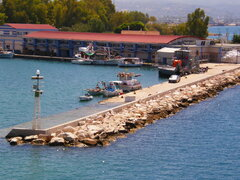 patra fishing trawler dock 160820
