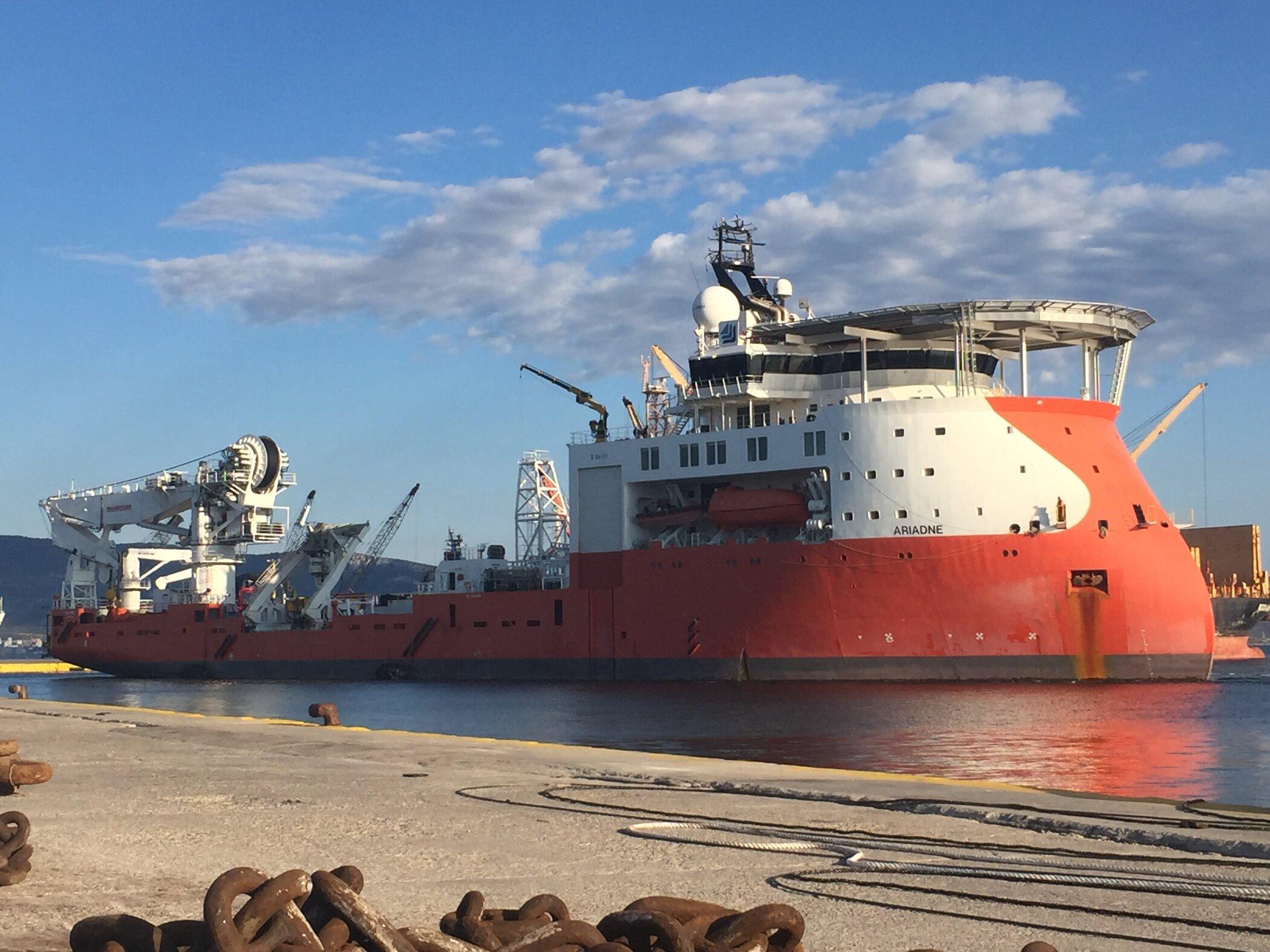 Ariadne arriving at Elefsis port