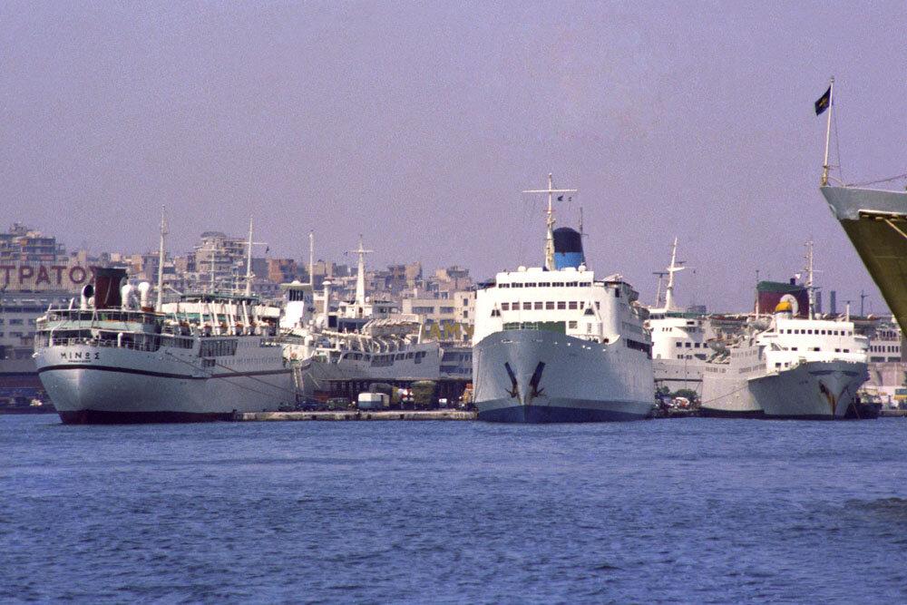 Minos - Kydon - Sappho - Samaina - Knossos @ Port of Piraeus, July 1981 © Frank Heine.jpg