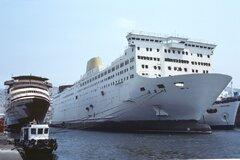 Port of Piraeus, 21.07.1990, Perama 04, © Frank Heine.jpg