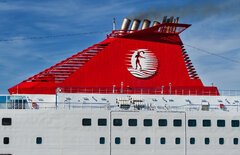 Cruise Olympia_Funnel