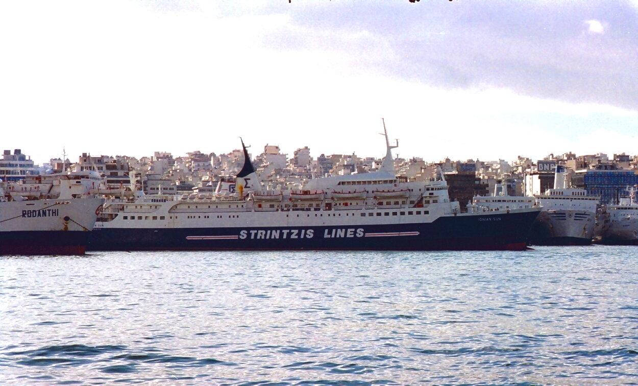 ionian sun @ piraeus jan 1995