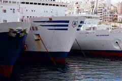 Piraeus Dock 12, January 1995