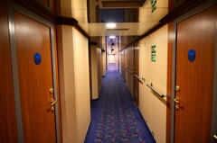 Moby Tommy_cabin corridor