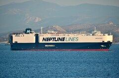 Neptune Horizon_05-09-21_off Piraeus_2