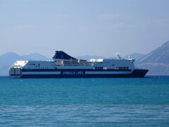 zeus palace anchored off patras breakwater 260809 a