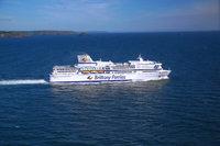 Brittany-Ferries-Pont-Aven-wearing-new-logo-750x500.jpg